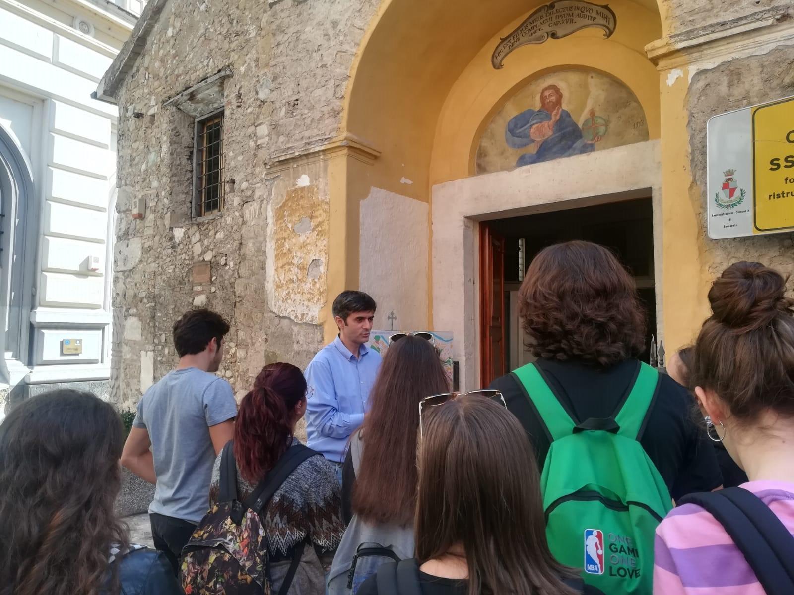 Gli alunni del Liceo Artistico di Benevento in visita alla Chiesa del SS. Salvatore